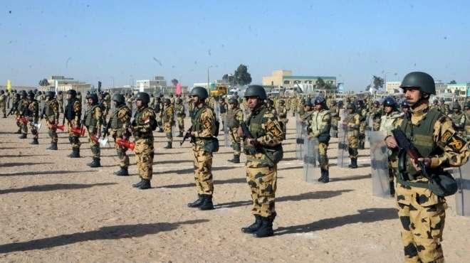 الجيش المصري يحشد قواته على حدود ليبيا