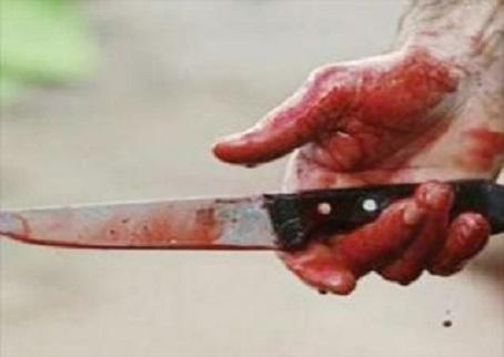 طعن أخصائي تمريض بسكين بسبب 200 جنيه بالإسكندرية
