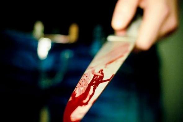 طالب يذبح والده أمام أشقائه وزوجته