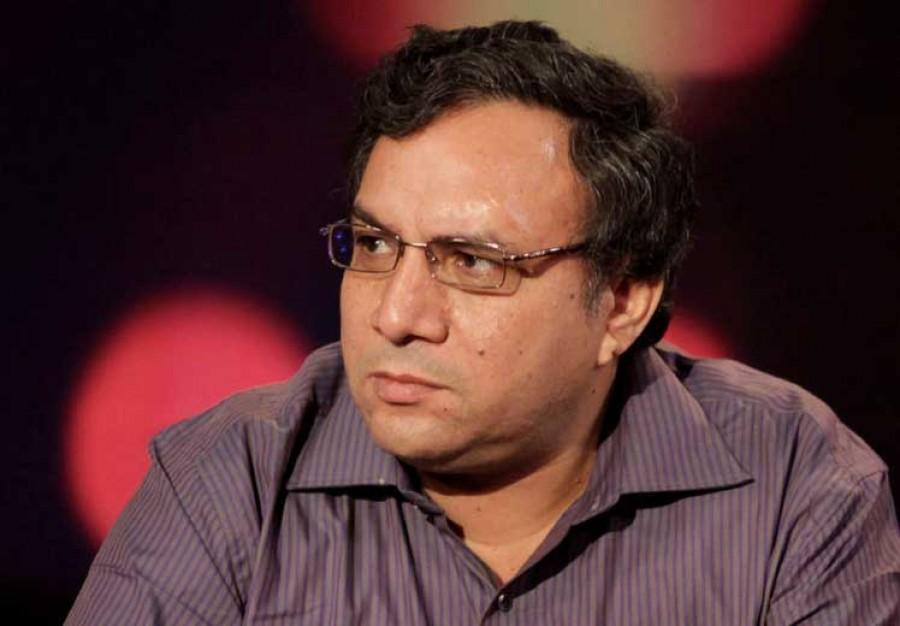 """عمار علي حسن لـ""""السيسي"""": لا تدخل معركة مفتوحة مع الصحفيين"""