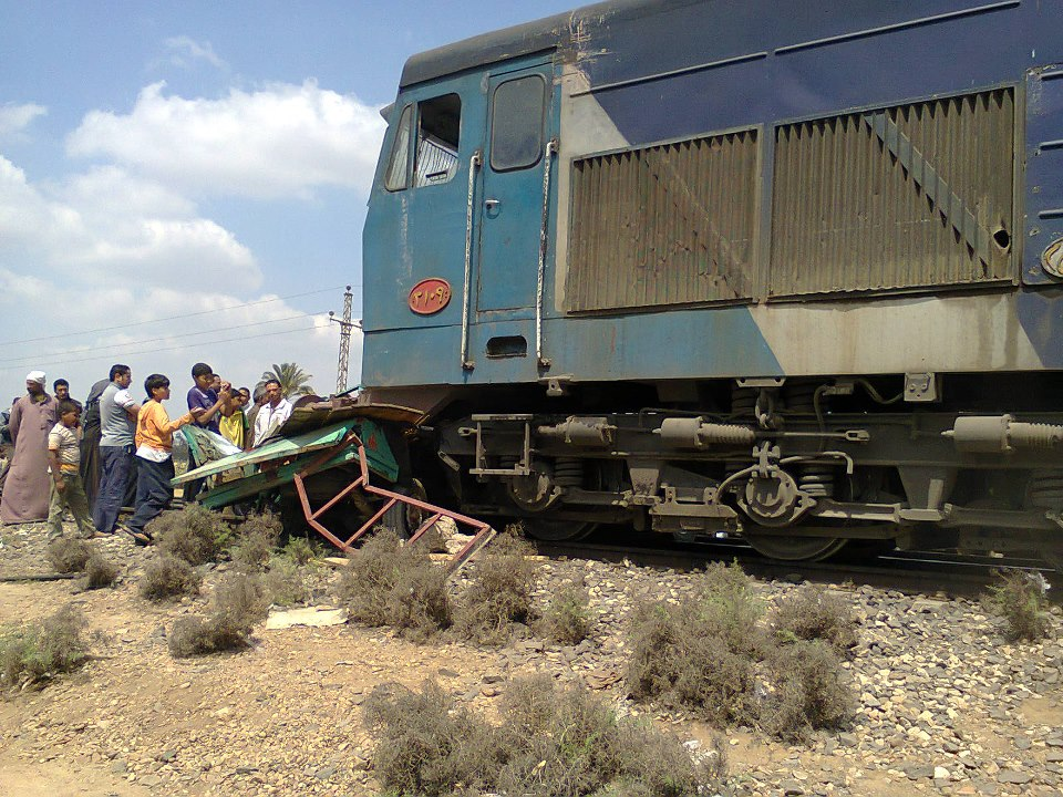 مصرع 3 وإصابة 6 آخرين في حادث قطار بأسيوط