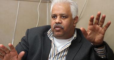 """حمدى رزق: طلاب الإخوان """"قنابل بدائية"""""""
