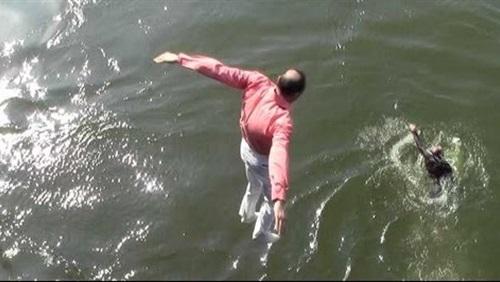 انتحار شاب من أعلي كوبرى «عباس» بالجيزة