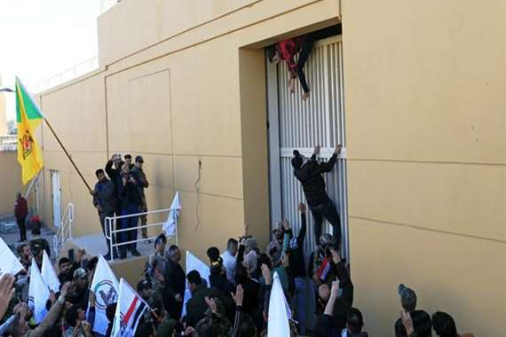 ميليشيات الحشد الشعبي تنسحب من أمام السفارة الأمريكية