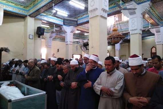 صلاة جنازة الشيخ محمد عمارة