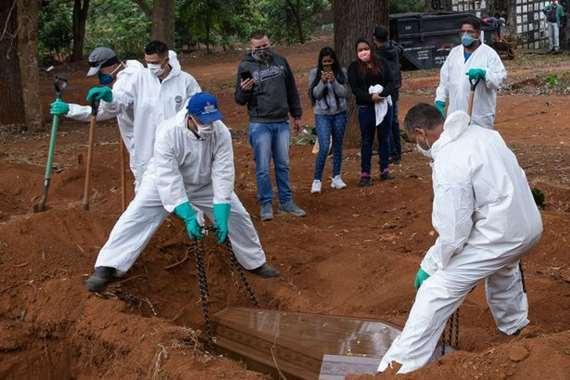 البرازيل تستخرج جثث الموتى لدفن ضحايا كورونا مكانهم
